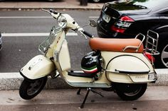 a5af0d28b85 I want this too Piaggio Vespa