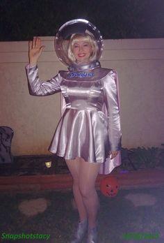 My Halloween costume 2013 (with helmet) : Spacegirl - Disneyland, circa 1957