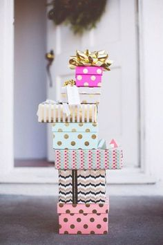Keep calm Christmas is coming! Avoid holiday stress with a little Pinterest holiday inspiration to keep you smiling your way through the season.  Tis the season.... to smile!    beautifully wrapped presents