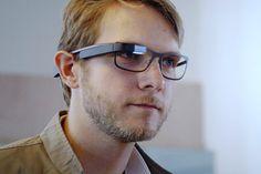 Google Glass agora funciona com lentes de grau, Google oferece 4 armaçoes http://www.bluebus.com.br/google-glass-agora-funciona-com-lentes-de-grau-google-oferece-4-armacoes/
