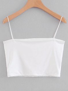 10 All-White Outfits You'll Want To Get On Board With This Summer - UK - - All-white outfits will having you just dying to try this super summery combo. Take a look at these white looks for some instant fashion inspiration! Crop Top Outfits, Cute Casual Outfits, All White Outfit, White Outfits, Cute Crop Tops, Black Crop Tops, White Tops, Jugend Mode Outfits, Vetement Fashion