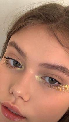 Eye Makeup Art, Kiss Makeup, Makeup Inspo, Makeup Inspiration, Beauty Makeup, Hair Makeup, Glossy Makeup, Eyeliner Makeup, Cool Makeup Looks