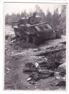 VANHA Valokuva CCCP Panssarivaunu Kaatunut Vihollinen - Huuto.net Finland, Military Vehicles, Tanks, History, Historia, Army Vehicles, History Books, History Activities, Thoughts