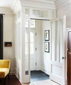 Couloir, Entrée & Escaliers de style de style Classique par Douglas Design Studio