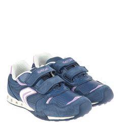 #GEOX #Sneaker #Jocker #G #, #LED, #Jeans #Look, für #Mädchen Coole Sneaker ´´Jocker G´´ von GEOX für Mädchen. Die LEDs im der Sohle blitzen beim Laufen auf. Der Jeans-Look und feines Veloursleder runden das Design ab. Sneaker ´´Jocker G´´, LED, Jeans-Look, für Mädchen