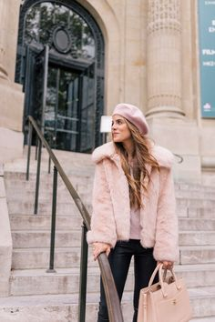 It was such a special treat to spend my birthday in Paris this year. What I love about Paris, especially… Girly Outfits, Pretty Outfits, Winter Outfits, Casual Outfits, Beret Outfit, Gal Meets Glam, Poses, Winter Wardrobe, Autumn Winter Fashion