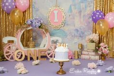 Smash cake princess theme, pink gold and pink with a castle backdrop, carriage, floral and crown. First birthday baby girl. Princess Smash Cakes, Princess First Birthday, Princess Theme Birthday, 1st Birthday Party For Girls, Smash Cake Girl, 1st Birthday Cake Smash, Cinderella Birthday, Girl Birthday Themes, Baby First Birthday