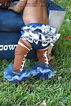 how stinkin' CUTE is this!!!!!!!!!!!! I wish I were a bigger Cowboys fan just to have an excuse to buy this!!!