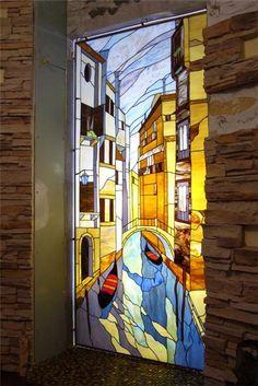 Витраж - это сюжетная, декоративная или орнаментальная композиция из цветных стекол или другого материала пропускающего свет.