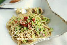 Sphagetti a`la carbonara Tasty Videos, Food Staples, I Foods, Spaghetti, Diet Recipes, Clean Eating, Good Food, Food And Drink, Favorite Recipes