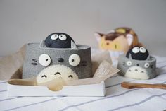 Totoro chiffon cake by Agnes iing (@agnes_chii)
