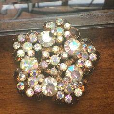 Antique Picture Frames, Antique Pictures, Rhinestone Jewelry, Vintage Rhinestone, Vintage Jewelry Crafts, Handmade Jewelry, Glass Jewelry, Vintage Items, Repurposed