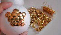 Resultado de imagen para como hacer bolas de navidad con papelillo Gold Rings, Yule Decorations, Christmas Balls, Paper Envelopes