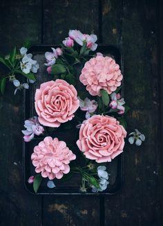 Маффины в виде роз  своими руками