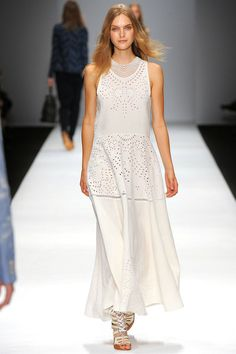 Vanessa Bruno Spring 2013 Ready-to-Wear Collection Slideshow on Style.com
