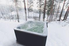 Luosto ulkoporeallas lämmittää hyvin myös talvisäällä. Lumispa.fi | Ulkoallas.fi | kylpykauppa.fi | Novitek.fi | facebook.com/novitekspa/