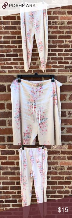"""Victoria's Secret PINK PJs Pajama Bottoms Pants 1X --Size 1X --100% Polyester --White with pink roses --Approx: 42"""" long with 30.5"""" inseam; 18"""" across waist PINK Intimates & Sleepwear Pajamas"""