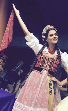 Katarzyna Krzeszowska Miss Polski 2012 - Miss Grand International 2015