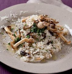 Exotic mushroom risotto with pasmesan, parsley, truffle oil Mushroom Tart, Mushroom Risotto, Risotto Recipes, Pasta Recipes, Stuffed Mushrooms, Stuffed Peppers, Most Delicious Recipe, Cooking Instructions, Chicken And Vegetables
