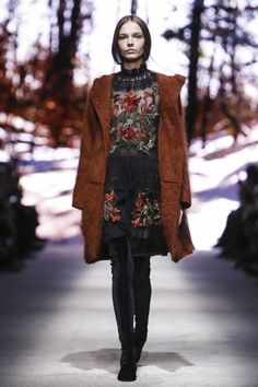 Alberta Ferretti Ready To Wear Fall Winter 2015 Milan