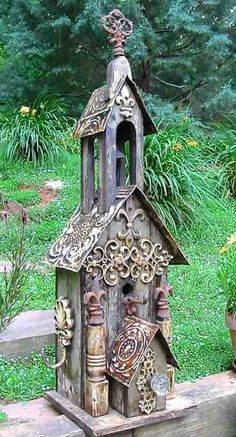 Double Scroll with Fleur-de-Lis - vogelhäuser - Vogelhaus Decorative Bird Houses, Bird Houses Painted, Bird Houses Diy, Fairy Houses, Large Bird Houses, Homemade Bird Houses, Birdhouse Craft, Birdhouse Designs, Birdhouse Ideas