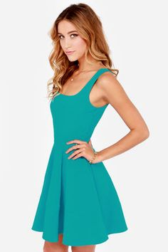 As much as I love their dresses it's discouraging when their descriptions say that the model is 5'10 wearing a size small lol Home Before Daylight Teal Dress
