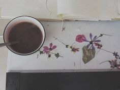 pressed flowers, in an old book Coffee Is Life, Coffee Time, Coffee Drinks, Coffee Cups, Tea Cafe, Morning Love, Tea Stains, Coffee And Books, Love Photography