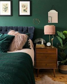 Home Interior Design Green Bedroom Color - Bedroom Color Ideas Interior Design Green Bedroom Color - Bedroom Color Ideas Green Bedroom Colors, Green Bedroom Design, Bedroom Paint Colors, Wall Colors, Dark Green Rooms, Green Bedding, Accent Colors, Bedroom Plants Decor, Home Decor Bedroom