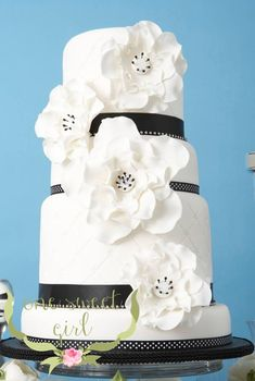 Divine Wedding Cakes For Your Big Day - MODwedding