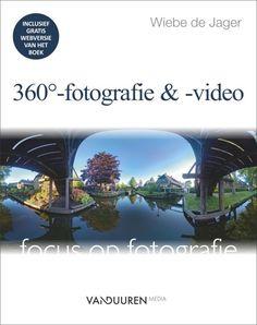 Wiebe de jager - bekend van zijn boeken over dronefotografie en dronevideo - heeft zijn ruime ervaring met het maken van 360°-opnamen in dit praktische boek helder verwoord, met veel mooie foto's, veel links naar online-content en uiteraard de nodige tips, trucs en do's en don'ts.  Zo gaat hij in op actuele apparatuur, maar dringt hij er ook op aan om goed na te denken over de vraag wanneer een 360°-opname echt iets toevoegt. 3d Printing, Geek Stuff, Photoshop, Sculpture, Film, Movie Posters, Sculptural Fashion, Signs, Shape