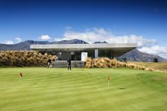 The Michael Hill Clubhouse // Patterson Associates // New Zealand