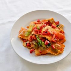 Vegan-Ravioli-with-Tomato-and-Pepper-Sauce