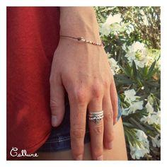Bracelet de cuir marron avec perles de rocailles blanches et transparentes, et perles Fimo cuivre métallique - 3,50 € https://www.alittlemarket.com/bracelet/bracelet_cuir_marron_perles_rocailles_blanches_transparentes_fimo_cuivre_metallique_fermoir-18955454.html ▸▹ Caractéristiques ◃◂ Réalisé à la main Longueur du bracelet : 18,0 cm  /!\ Veillez à vérifier que la taille du bracelet vous convient !