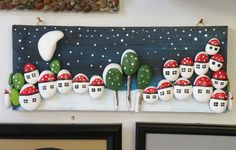 Art work with small stones Pebble Painting, Pebble Art, Stone Painting, Stone Crafts, Rock Crafts, Arts And Crafts, Creative Arts Therapy, Sea Glass Mosaic, Coral Art