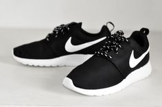 New In | Nike Roshe Run