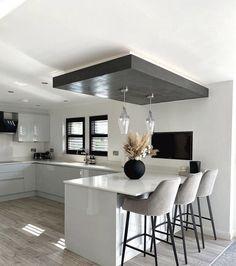 Luxury Kitchen Design, Kitchen Room Design, Kitchen Layout, Kitchen Decor, Marble Floor Kitchen, Kitchen Flooring, Kitchen Ideas New House, Küchen Design, House Design