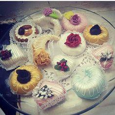 Sweets Recipes, Cake Recipes, Cooking Recipes, Tea Cakes, Mini Cakes, Eid Food, Algerian Recipes, Wedding Sweets, Traditional Cakes