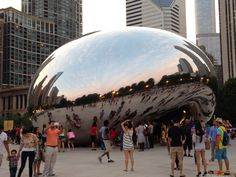 In Chicago, 'The Bean' is perfect interactive public art - http://news.linke.rs/in-chicago-the-bean-is-perfect-interactive-public-art/