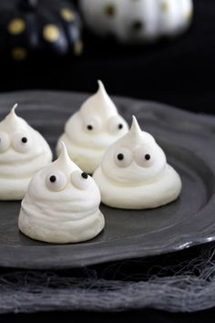 Meringue Ghost Cookies will complete your Halloween buffet. Who could resist these adorable, boo-tiful cookies?