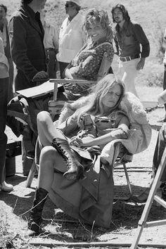 Brigitte Bardot & Claudia Cardinale, 1971, Espagne - Les Petroleuses - Terry O'Neill