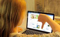 Die 10 nervigsten Eltern-Typen bei Facebook - Wir vom Elternhandbuch-Team sind ja bekennende Freunde sozialer Netzwerke. Und Facebook liegt in unserer internen Wertung ganz klar auf Platz 1. Letztlich wären wir ohne den blauen Riesen nicht das Team, das wir sind. Aber das ist wieder ein anderes Thema. Auch klar ist natürlich, dass es P...