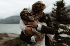 The wild and windy, intimate outdoor wedding in Alaska of Kristian & Caleb by Destination wedding photographer, The Kitcheners. Wedding Photography Poses, Wedding Photography Inspiration, Wedding Portraits, Couple Photography, Engagement Photo Inspiration, Elopement Inspiration, Elopement Ideas, Nordic Wedding, Woodland Wedding
