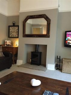 Farrow & Ball Hardwick White 5 - Living Room painted in Hardwick White. Wish my living room was this tidy New Living Room, Home And Living, Living Room Decor, Alcove Ideas Living Room, Log Burner Living Room, Dark Wood Living Room, Dark Wood Bedroom, Cottage Living, Victorian Living Room