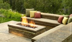 101 Stunning Fire Pit Seating Ideas to Spice Up your Patio Sunken Fire Pits, Concrete Fire Pits, Outdoor Fire, Outdoor Living, Outdoor Decor, Fire Pit Backyard, Backyard Patio, Backyard Seating, Backyard Ideas