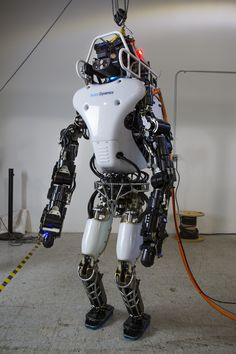 UPGRADED ATLAS ROBOT TO GO WIRELESS AS THE STAKES ARE RAISED FOR THE DARPA ROBOTICS CHALLENGE FINALS