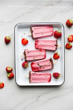 Creamy Strawberry Chocolate Cheesecake Pops for #popsicleweek (Vegan, Gluten-Free, Refined Sugar Free) by The Green Life