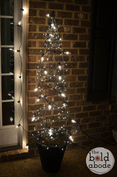 Tomato Cage Christmas Trees: Fast, Cheap and Easy!