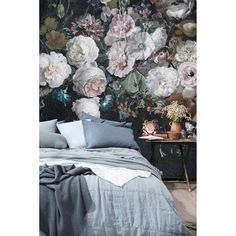 Faded Glory Garland cool design wallpaper/wall mural – Miss Lolo Interior Wallpaper, Wall Wallpaper, Large Floral Wallpaper, Large Wall Murals, Condo Decorating, Home Decor Bedroom, Bedroom Ideas, Faded Glory, Beautiful Interiors