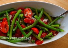 This bright green Spring Green Bean Salad is as fresh as it gets! Serve it up with a simple grilled protein and you've got a quick, healthy dinner! Veggie Side Dishes, Healthy Side Dishes, Healthy Salads, Healthy Eating, Healthy Recipes, Savory Salads, Healthy Sides, Healthy Foods, Green Bean Salads