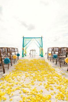 Adorable 100+ Great Ideas of Beach Wedding Arches https://bridalore.com/2017/05/23/100-great-ideas-of-beach-wedding-arches/